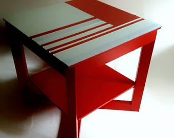 "table for suprematists ""Rood"" ET8"