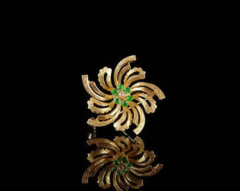 Vintage 18ct Gold Tsavorite Garnet & Diamond Flower Brooch