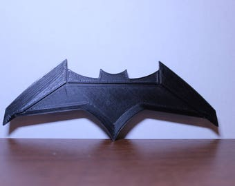 """Batman Dawn Of Justice """"BatFleck"""" Batarang, 3d printed. Measures approx 14cm in width and available in a range of colours. UK Postage FREE."""