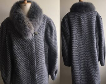 Vintage Coat with Real Fur Collar