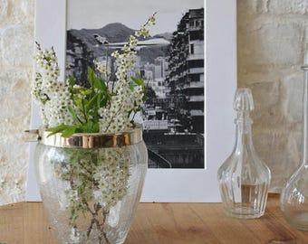 Bucket has ice / Crackle Glass Vase