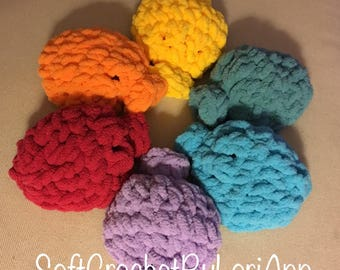 Crocheted Water Balloons , Set of 6. water bombs, reusable water balloons, green alternative, latex free balloons.