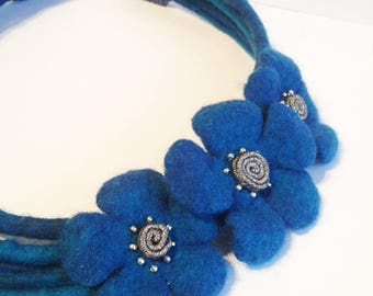 Blue wool Necklace-blue