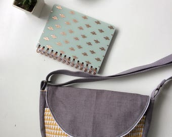 wallet linen gray and mustard triangles graphic