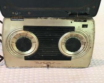 Vintage 1948 Motorola 5A9B AM Tube Radio - Working Condition!