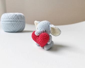 TINY ELEPHANT crochet amigurumi, small elephant, elephant gift, elephant keepsake, birthday gift, miniature elephant, anniversary gift
