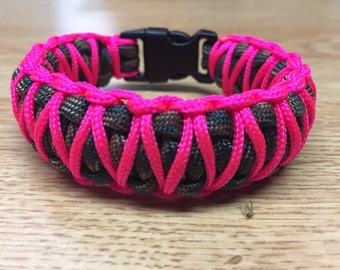 Forest Camo and Neon Pink Paracord Bracelet