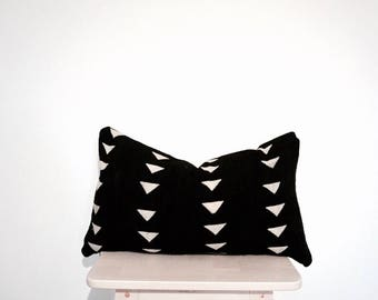 """African Mudcloth Lumbar Pillow Cover in black - Billie 14x24"""""""