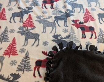 Patterned Trap Moose Printed Fleece Tied Blanket
