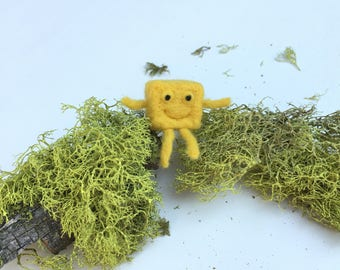 Happy Yellow Cube Brooch, Handmade Brooch, Gift,Felted Toy,Hand Felted Brooch,Wool Jewelry Felted Brooch,Wool Accessories, Happy Cube Brooch
