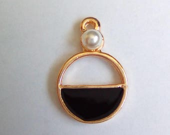5 Golden black round charms 20x13mm