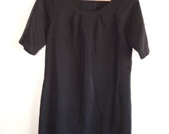 FREE SHIPPING - Vintage black dress/tunic with back zipper, size 34