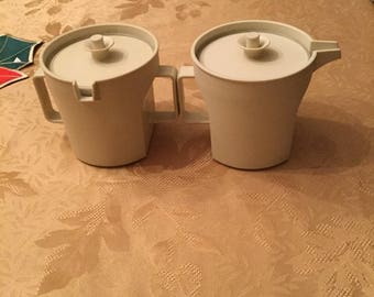 Tupperware Sugar and Creamer Set!