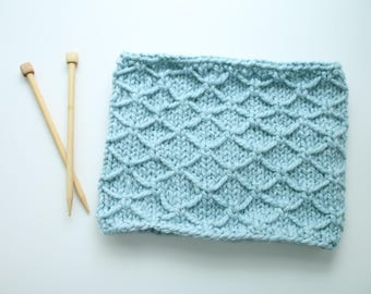 Ready To Ship, Trellis Stitch, Cowl, Thick Circular Scarf, Glacier