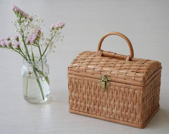 Wicker basket bag, box, small, rieten mand, Weidenkorb, summer basket.