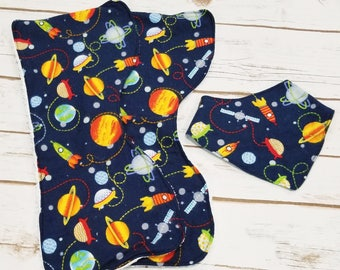 Space burp cloth set with drool bib-baby burp cloths-baby shower gift-gender neutral baby gift-baby girl gift-baby boy gift-baby gift