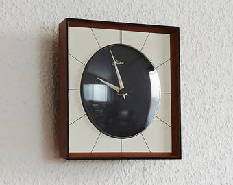 Wall clock, Germany 50s brand: Haid, Junghans movement. Wood. Vintage watch. 50s - 60s. Europe mid century interior decoration. Black, white, Brown.