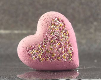 Sweet Heart Bath bombs - Pack of 3 Handmade by Luxxy