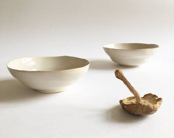 Handmade set of white bowls
