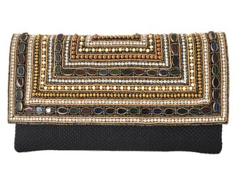 Amari - beaded shoulder bag with detachable gold chain strap, can also be used as a clutch bag