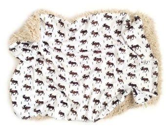 Moose Blanket. Woodland Nursery. Animals Baby Blanket, Moose Nursery. Baby Blankets. Minky Blanket. Micky Baby Blanket, Baby Boy, Animals