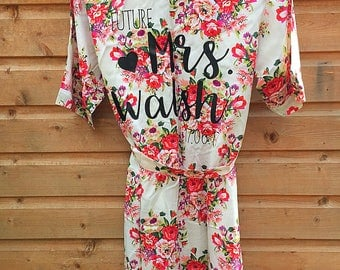 Mrs Floral Robe, Personalised Floral Robe, Bride To Be Robe, Bride Dressing Gown, Bridal Party Robe, Floral Robe, Satin Robe