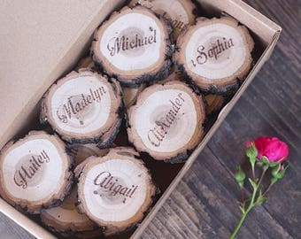 10 Rustic wedding place cards, wood name card, wood name card with bark, personalized place cards, wood slice place card, log name card