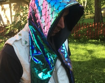 Holographic hoods