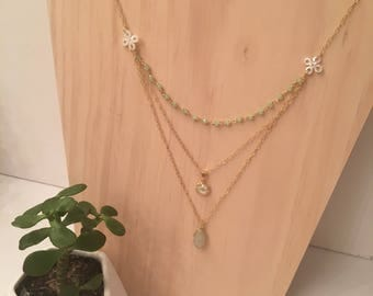 Green crystal and stone necklace