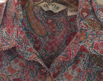 Collard colorful paisley button up
