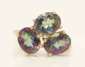 Stunning Vintage 9Ct Gold 4.5 CTW Mystic Topaz Three Stone Cluster Ring, Size N