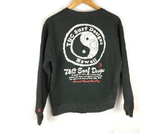 TOWN and COUNTRY Surf Design Medium Size Sweatshirt With Big Ying Yang Logo