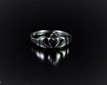 Sterling Silver Ring with a Claddagh Design
