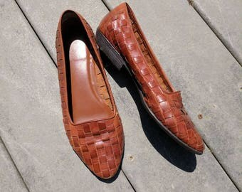 Vintage Brown Woven Leather Flats/Loafers sz 7