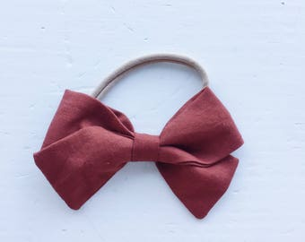 Medium Zoe Bow on headband - Rust