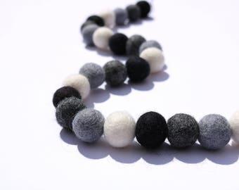 Black and White Felt Ball Garland. Pom Pom Garland. Nursery Bunting. Black and White Decor. Black & White Nursery Decor. Monochrome Nursery