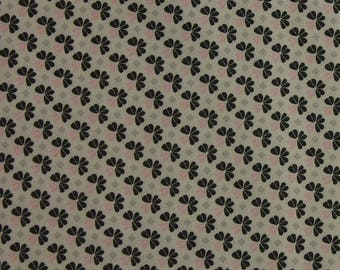 Julia - Small Flower in Grey & Pink Wide Fabric Fat Quarter