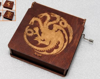 Game Of Thrones Music Box - Houses Choose Your Own And Personalize - Stark Lannister Targaryen - Engraved Wooden Music Box GOT Theme