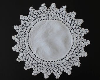 Vintage finest crochet doily, 100% cotton, white colour