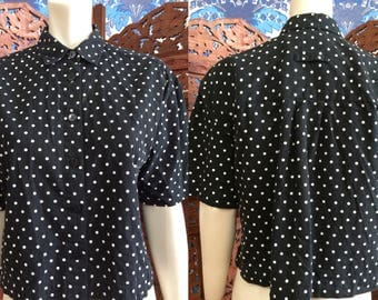 Vintage LIZ SPORT by Liz Claiborne Black with White Polka Dot Cropped Button Up Short Sleeve Collared Blouse Shirt