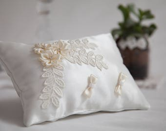 White ring bearer pillow, Lace element ring pillow, Champagne flowers ring pillow, Wedding Ring Pillow, Satin Ring Pillow, Ring Cushion