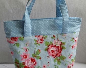 Lined and insulated lunch bag