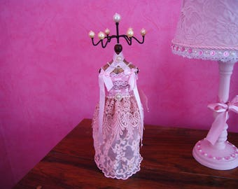 Pink lace jewelry holder