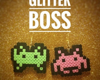 Space Invaders - green/pink earrings