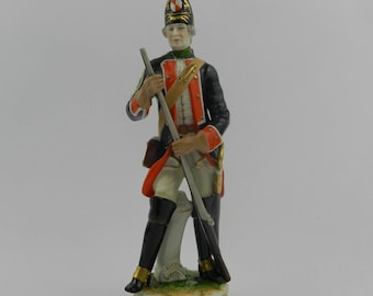 Figure of GRENADIER - Rudolf Kammer Volkstedt, Turyngia, Germany