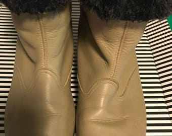 Ki Yak 1960's Wheat Colored Ankle Boots. Size 8