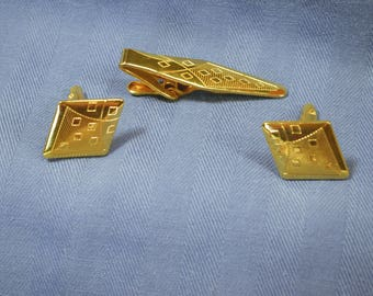 vintage gold cuff links and tie bar