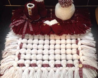 Babys pom pom blanket sets