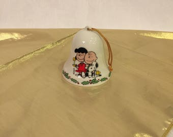 "Vintage ""Peanuts"" christmas ornament bell"