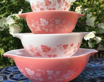 4x JAJ Pyrex Pink & White Gooseberry Cinderella mixing bowls